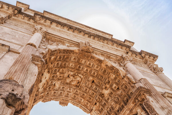 Arc de Titus sur le forum romain