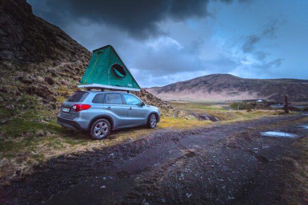 4x4 avec tente de toi en Islande