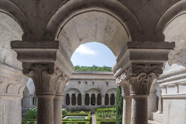 Intérieur de l'abbaye de Sénanque