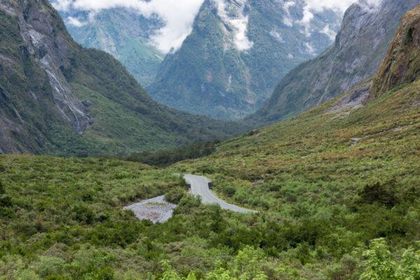 Route entre Te Anau et Milford Sound en Nouvelle-Zélande
