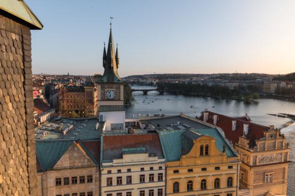 Panorama sur Prague depuis une tour du pont Charles