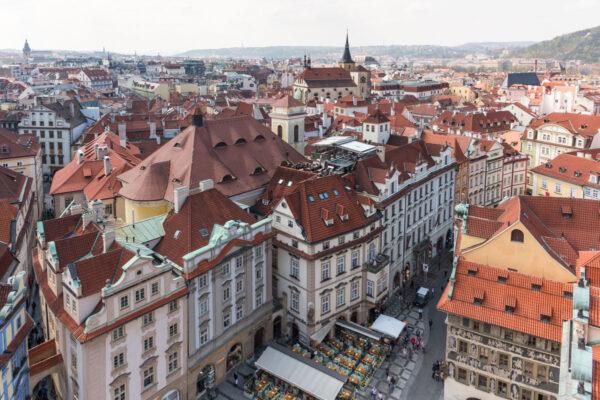 Vue sur Prague depuis une tour de la vieille ville