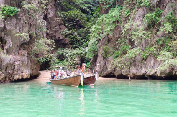 Excursion dans la baie de Phang Nga en Thaïlande