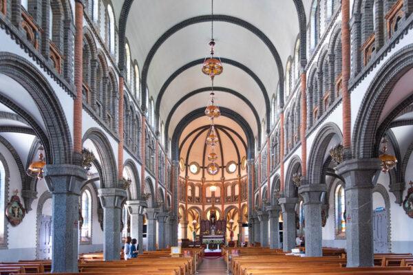 Intérieur de la cathédrale Jeondong de Jeonju