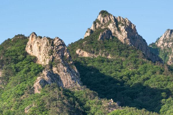 Montagnes du parc national de Seoraksan