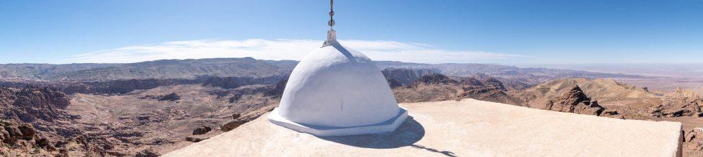 Panorama depuis le toit du mausolée d'Aaron au sommet du jabal Haroun