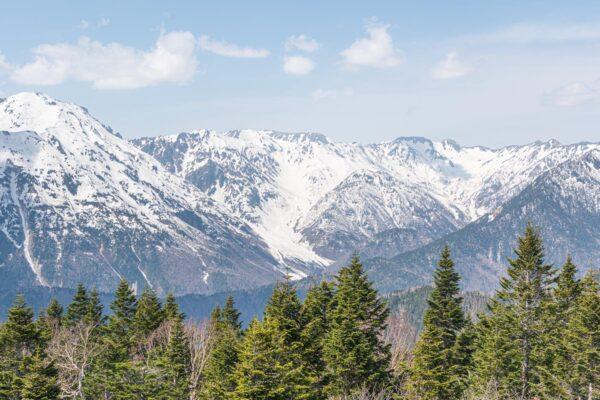 Vue sur les Alpes japonaises à côté de Takayama