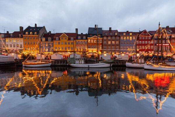 Nyhavn à Copenhague, en soirée