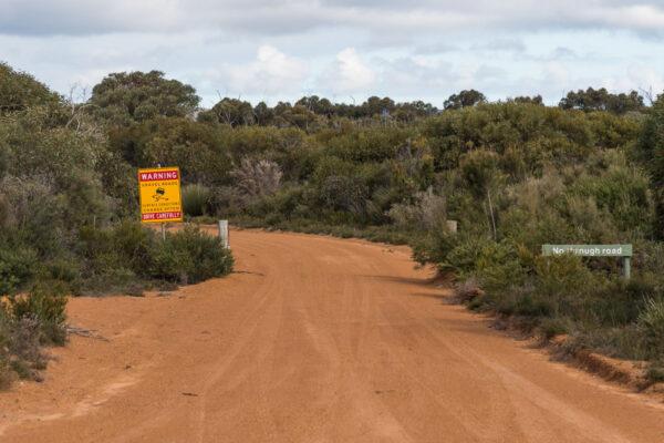 Assurance pour la location d'un van en Australie : gravel road