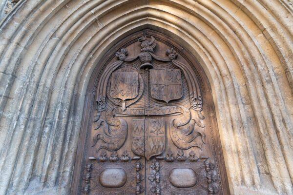 Porte de l'abbaye de Bath