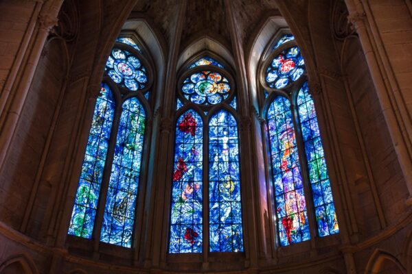 Vitraux de Chagall dans la cathédrale de Reims