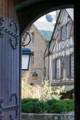 Porte de l'église Saint-Pierre