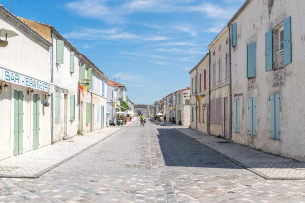 Rue principale de la citadelle de Brouage