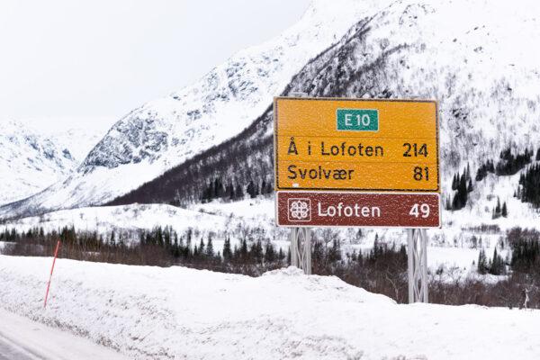 Accès aux Lofoten via la route E10 depuis l'aéroport de Narvik