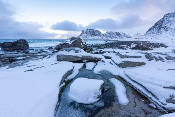Plage d'Uttakleiv dans les îles Lofoten