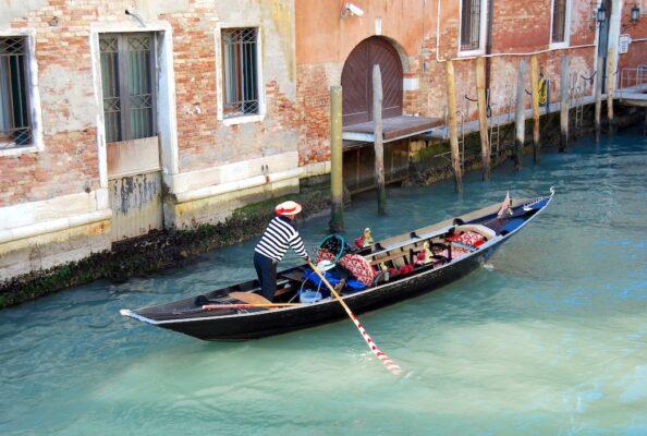 Réservation pour une gondole à Venise