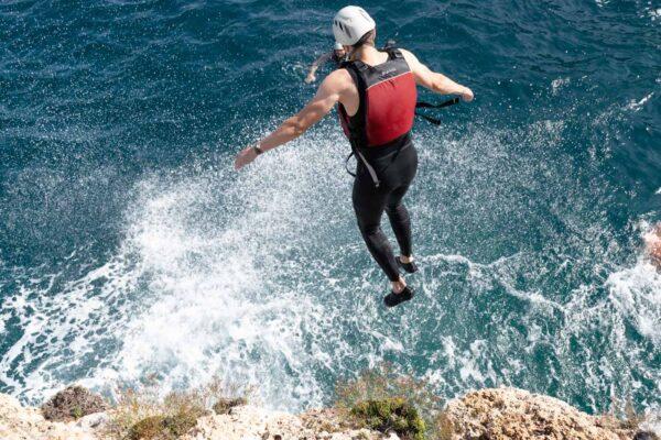 Activité de coasteering à Majorque en Espagne