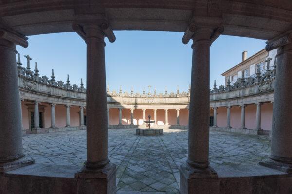 Cloître du mosteiro da Serra do Pilar