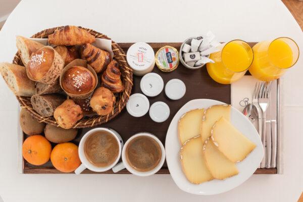 Petit déjeuner à l'hôtel Briketenia au Pays basque