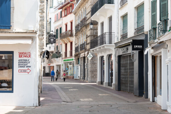 Rue commerçante de Saint-Jean-de-Luz