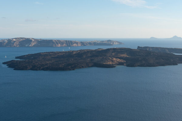 Néa Kaméni depuis l'île principale