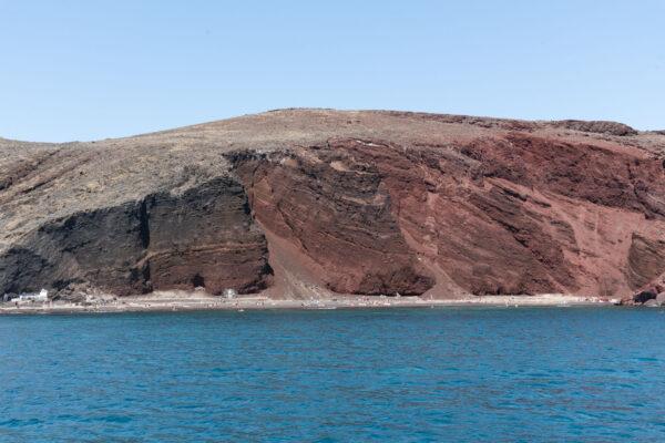 Red Beach à Akrotiri depuis un catamaran