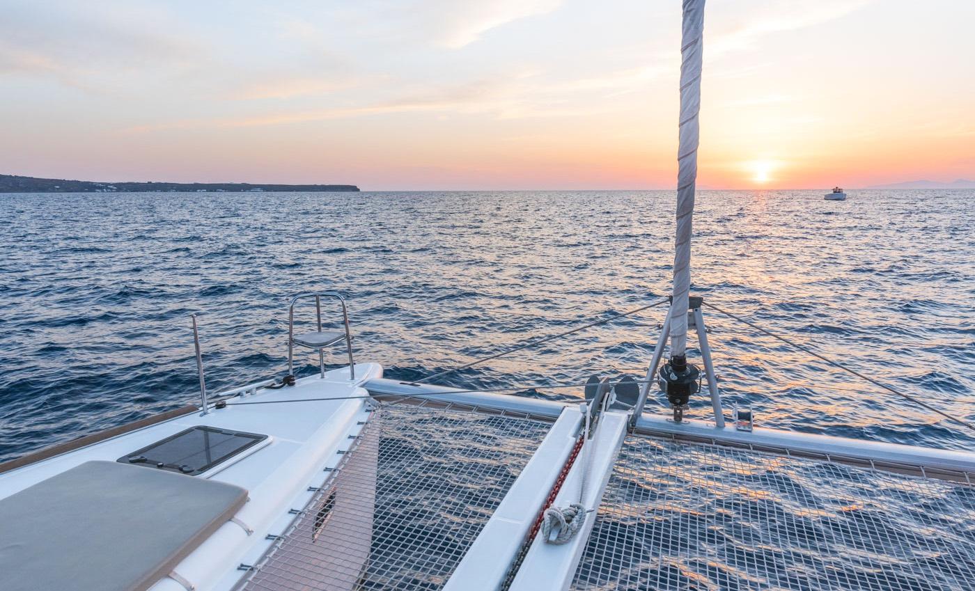 Croisière en catamaran à Santorin
