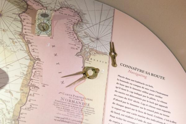 Carte dans le musée maritime